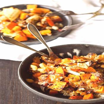 caramelized pumpkin with onions, nuts and mozzarella - hellopippa -  caramelized pumpkin with onion