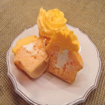 Orange Dreamsicle Cupcakes filling soda extract