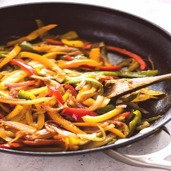 Sauteed Peppers and Onions (Easy and Flavorful) - Isabel Eats -  caramelized sauteed peppers and on