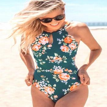 This one-piece swimsuit is a sophisticated option for your vacation. Features a keyhole cutout on t