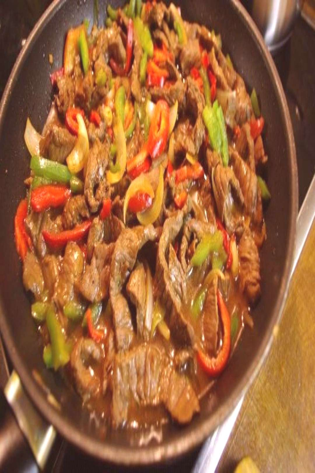 Beef with paprika and onions