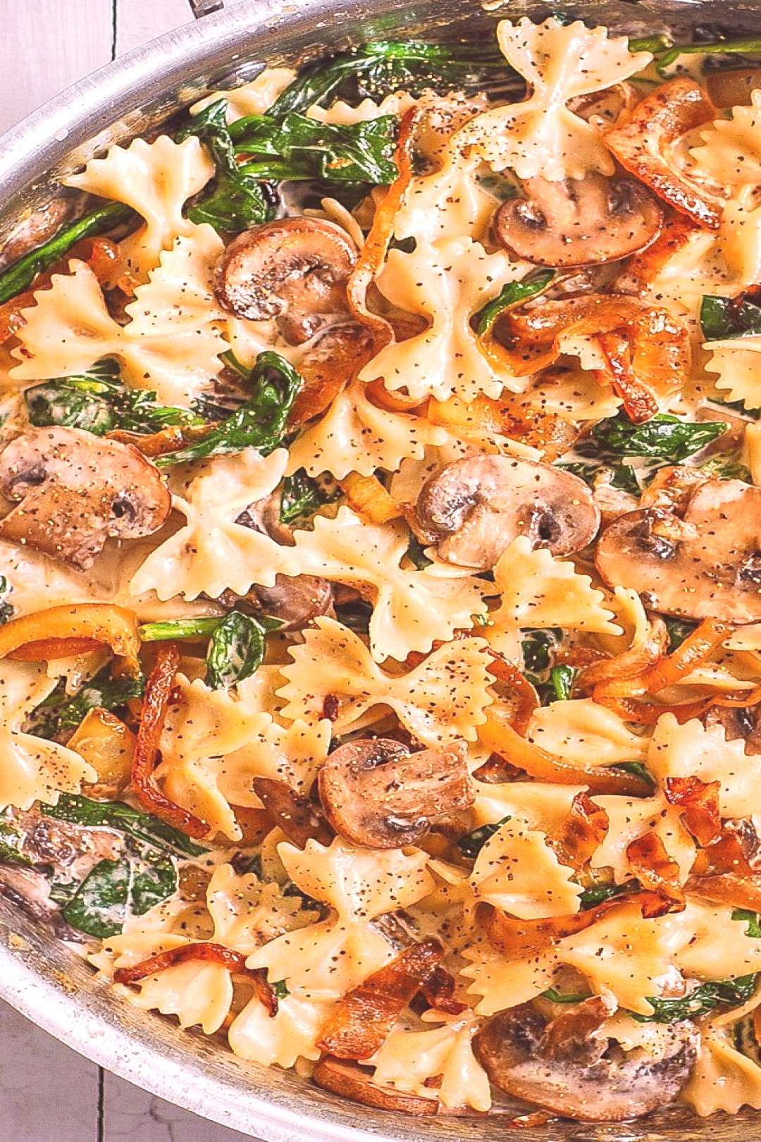 Creamy Farfalle with Spinach, Mushrooms, Caramelized Onions - ** Delish Recipes ** - -